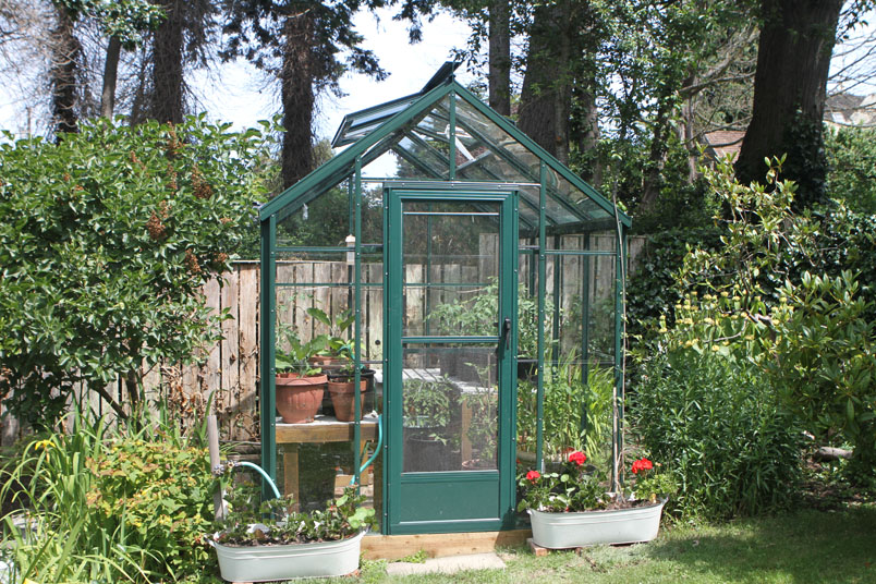 Simple Cottage Greenhouse - Glass
